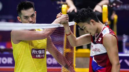 Media China cemas jika pebulutangkis peringkat satu dunia, yaitu Kento Momota yang jadi penerus dari legenda mereka, Lin Dan. - INDOSPORT