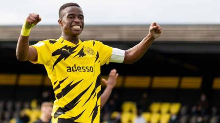 Wonderkid Borussia Dortmund, Youssoufa Moukoko, siap mengguncang Bundesliga Jerman. - INDOSPORT