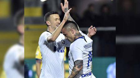 Kembali ke skuat utama Inter Milan setelah dipinjamkan musim lalu, Ivan Perisic dan Radja Nainggolan punya nasib yang berbeda. Seperti apa? - INDOSPORT