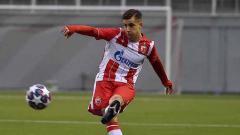 Indosport - Rivalitas AC Milan dan Inter Milan semakin membara menyusul persaingan mereka untuk mendapatkan tanda tangan wonderkid asal Serbia.