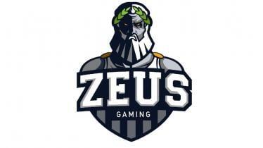 Pemain tim eSports Zeus Gaming raih runner-up di Choang Super Cup 2021. - INDOSPORT