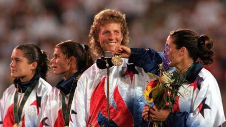 Legenda sepak bola wanita asal Amerika Serikat, Michelle Akers. - INDOSPORT