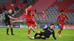 Indosport - Pemain Bayern Munchen, Robert Lewandowski, membobol gawang Salzburg dalam pertandingan Liga Champions, Kamis (26/11/20) dini hari WIB.