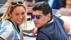 Indosport - Maradona dan Rocio Oliva.
