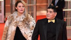 Indosport - Rocio Geraldine Oliva bersama dengan Diego Maradona