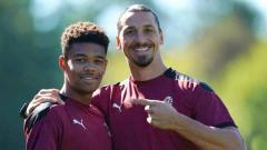 Indosport - Zlatan Ibrahimovic yang biasanya bertingkah sombong dikabarkan harus 'bertekuk lutut' kepada wonderkid anyar kepunyaan AC Milan.