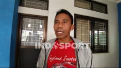 Indosport - Asisten pelatih Persib, Budiman, saat ditemui di Mes Persib, Jalan Ahmad Yani, Kota Bandung, Rabu (25/11/20).