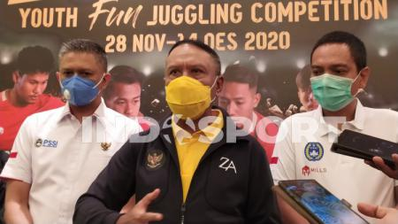 Menteri Pemuda dan Olahraga (Menpora), Zainudin Amali terus bersemangat mensosialisasikan Youth Fun Juggling Competition. - INDOSPORT