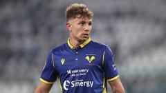 Indosport - AC Milan sedang dalam situasi yang kurang mengenakkan menyusul target transfer mereka yang segera dibajak oleh Juventus.