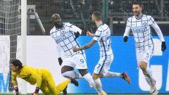 Indosport - Romelu Lukaku selebrasi usai mencetak gol di laga Borussia Monchengladbach vs Inter Milan