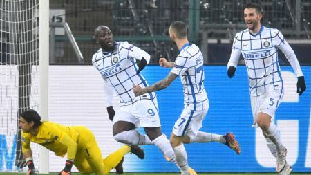 Romelu Lukaku selebrasi usai mencetak gol di laga Borussia Monchengladbach vs Inter Milan - INDOSPORT