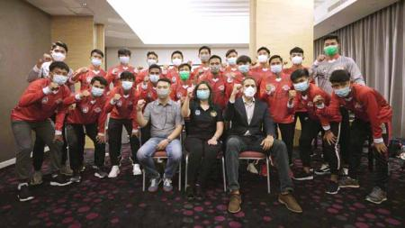 Sebanyak 21 pemain Garuda Select 3 yang berangkat ke Inggris, termasuk Noval Junior Iskandar. - INDOSPORT