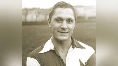 Mengingat sosok Josef Bican, pemain legendaris Austria dan Republik Ceko yang menorehkan gol terbanyak sepanjang karier melampaui Pele dan Cristiano Ronaldo. - INDOSPORT