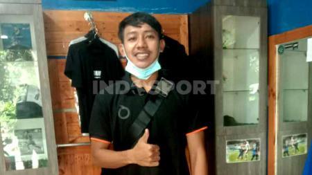 Gelandang Persib Bandung, Beckham Putra Nugraha saat ditemui di kediamannya, Gedebage, Kota Bandung, Kamis (03/12/2020). - INDOSPORT