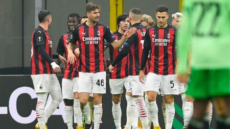 Selebrasi pemain AC Milan usai mencetak gol ke gawang Celtic - INDOSPORT
