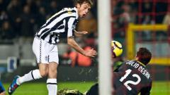 Indosport - Detik-detik gol gelandang Juventus, Claudio Marchisio, ke gawang Inter Milan dalam pertandingan Serie A Italia, 4 Desember 2009.