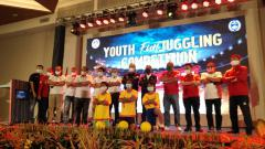 Indosport - Pembukaan kegiatan Youth Fun Juggling Competition, dalam program Main Bola Yuk di Uluwatu, Badung, Bali, Sabtu (5/12/20).