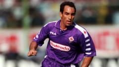 Indosport - Edmundo Alves saat masih memperkuat Fiorentina.