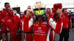 Indosport - Mick Schumacher, juara dunia F2 2020.