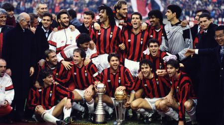 Selebrasi pemain AC Milan usai memastikan diri menjuarai Piala Interkontinental, 9 Desember 1990. - INDOSPORT