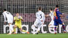 Indosport - Kiper Juventus, Gianluigi Buffon di laga Liga Champions 2020-2021.