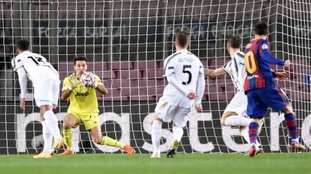 Kiper Juventus, Gianluigi Buffon di laga Liga Champions 2020-2021. - INDOSPORT