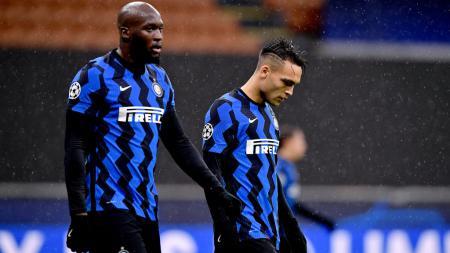 Ekspresi kekecewaan Romelu Lukaku dan Lautaro Martinez usai Inter Milan gagal melaju ke 16 besar Liga Champions - INDOSPORT