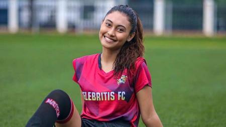 Novia Bachmid, Saudara Irfan Bachdim yang Gabung Selebritis FC. - INDOSPORT