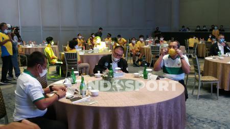 Ketum PSSI Mochamad Iriawan saat menghadiri kegiatan Youth Fun Juggling Competition. - INDOSPORT
