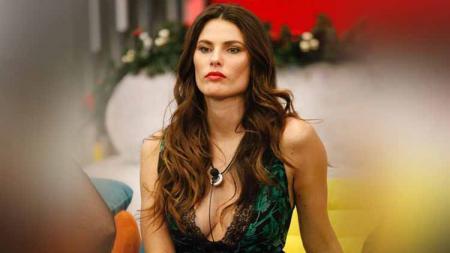 Mario Balotelli terkenal sebagai sosok mbeling serta urakan, tetapi siapa sangka jika ada satu sosok wanita yang sukses membuat dirinya menjadi budak cinta. - INDOSPORT