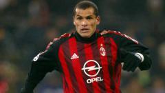Indosport - Sukses menjadi juara Piala Dunia 2002 bersama Brasil, Rivaldo justru berubah menjadi pemain terburuk Serie A Italia usai pindah ke AC Milan.