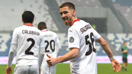 Selebrasi gol Alexis Saelemaekers di laga Sassuolo vs AC Milan dalam lanjutan Liga Italia. - INDOSPORT