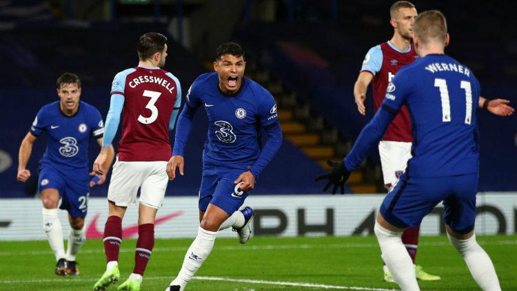 Selebrasi gol Thiago Silva di laga Chelsea vs West Ham United. Copyright: Chris Lee - Chelsea FC/Chelsea FC via Getty Images