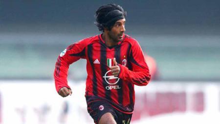 Vikash Dhorasoo, pemain eks AC Milan. - INDOSPORT
