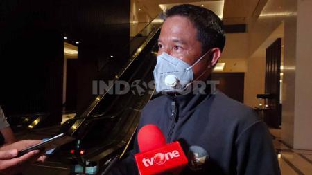 Plt Sekjen PSSI, Yunus Nusi saat ditemui media pada acara pelepasan Timnas U-19 ke Spanyol di Jakarta. - INDOSPORT