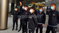 Indosport - Tiga asisten pelatih Timnas Indonesia, yakni Kim Hae-woon, Lee Jae-hong, dan Kim Woo-jae resmi mengundurkan diri karena alasan personal.