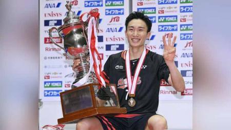 Kompetisi German Open 2021 dibatalkan, media China soroti batal come back-nya pebulutangkis peringkat 1 dunia asal Jepang yakni Kento Momota. - INDOSPORT