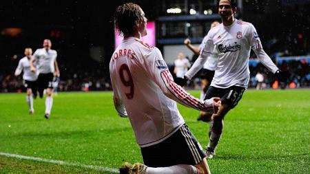 Di puncak kariernya, bomber legendaris Liverpool, Fernando Torres mampu menembus pertahanan tim manapun, termasuk Nemanja Vidic. - INDOSPORT