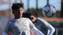 Indosport - Latihan para pemain Timnas U-19 di Spanyol.