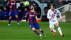 Indosport - Aksi Miralem Pjanic di laga Liga Spanyol Barcelona vs Eibar.