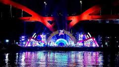 Indosport - Nampak panggung megah untuk acara Festival Cahaya Papua.