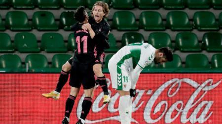 Selebrasi gol Luka Modric di laga Elche vs Real Madrid. - INDOSPORT