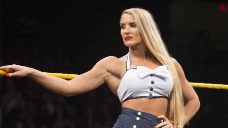 Lacey Evans pegulat wanita WWE. - INDOSPORT