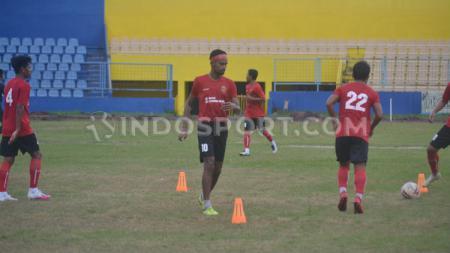 Sandrian (nomor 10) salah satu pemain yang tidak dipertahankan di Sriwijaya FC - INDOSPORT