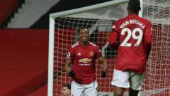 Indosport - Selebrasi gol Anthony Martial di laga Liga Inggris Manchester United vs Aston Villa.