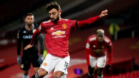 Proses terjadinya gol Bruno Fernandes di laga Manchester United vs Aston Villa. - INDOSPORT