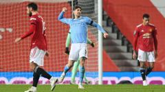 Indosport - Manchester City akan menjamu Manchester United, Minggu (07/03/21) di Liga Inggris. Akan semengerikan apa starting XI yang tercipta jika kedua tim digabungkan?