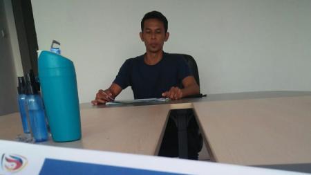 Legenda timnas Indonesia, Mahyadi Panggabean, saat melamar menjadi pelatih klub Liga 3, PS Palembang. - INDOSPORT