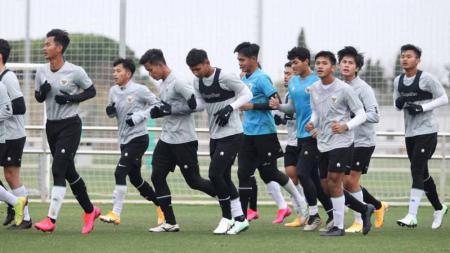 Latihan Timnas Indonesia U-19 di Spanyol. - INDOSPORT