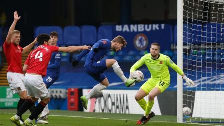 Timo Werner saat mencetak gol kedua bagi Chelsea ke gawang Morecambe. - INDOSPORT